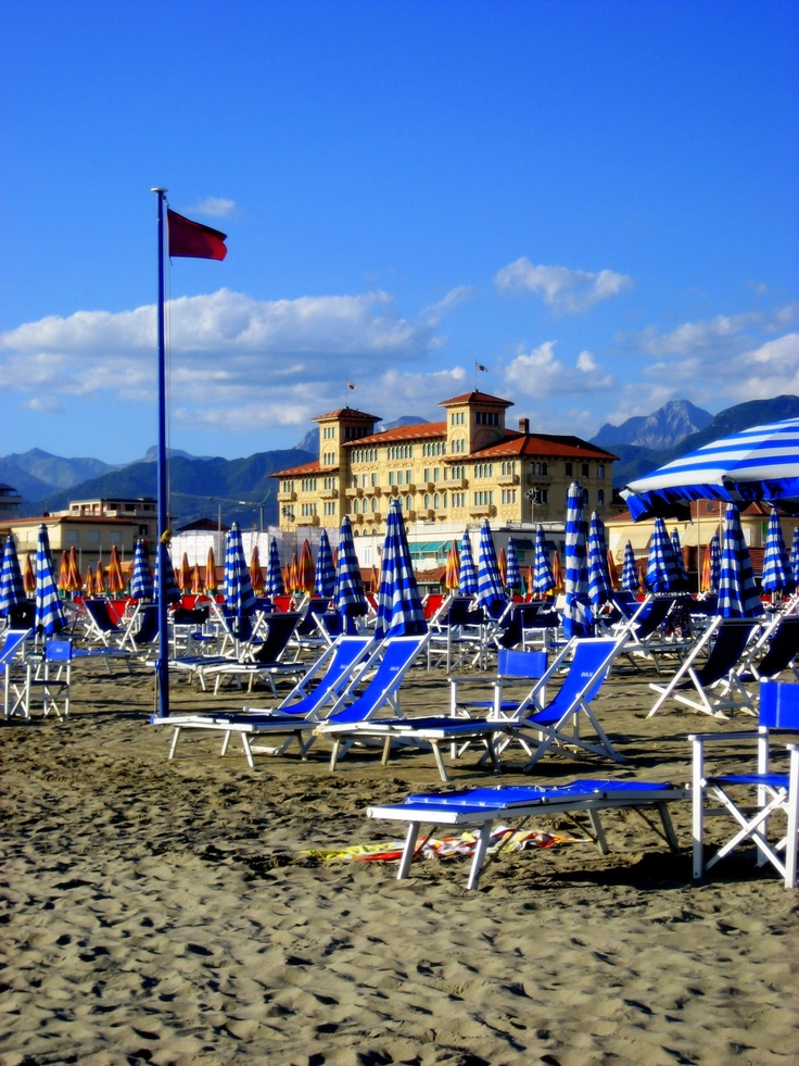 The beautiful beaches of Viareggio